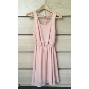 Dresses & Skirts - Blush pink dress with cut out back